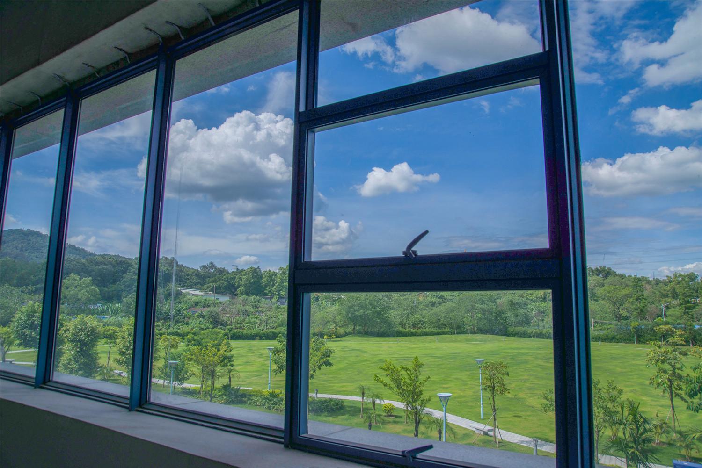 福德正神产业基地大楼窗景